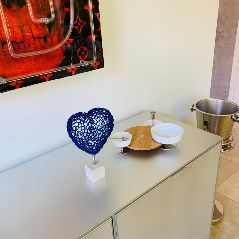 Diamond Love (blue) - Contemporary Sculpture by Rainer Lagemann