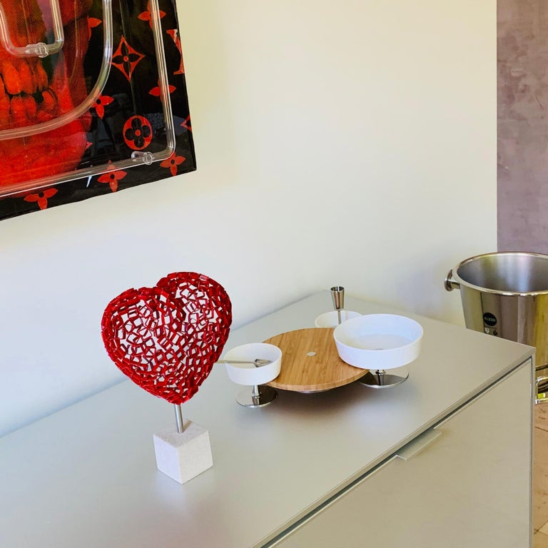 Diamond Love (red) - Contemporary Sculpture by Rainer Lagemann