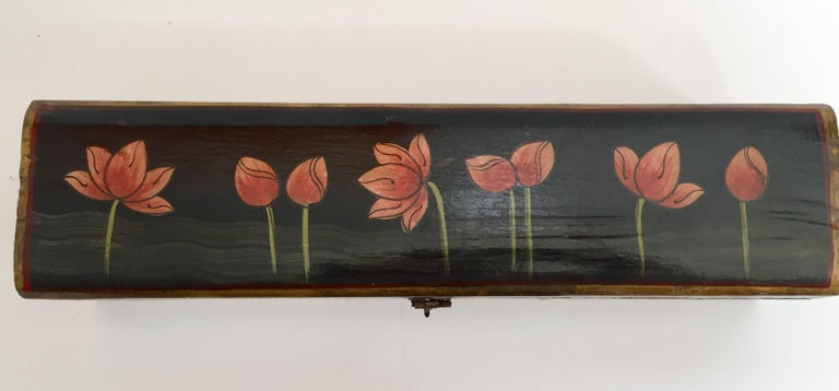 Anglo Raj Rajhastani Hand Painted Decorative Box Black with Floral Designs For Sale