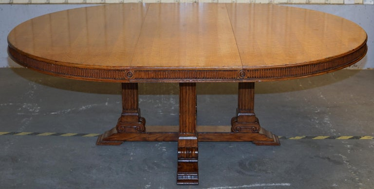 Ralph Lauren Hither Hills 6-10 Person Large Round Extending to Oval Dining Table For Sale 7
