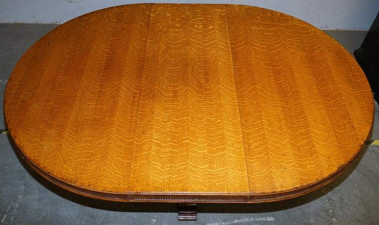 Ralph Lauren Hither Hills 6-10 Person Large Round Extending to Oval Dining Table For Sale 8
