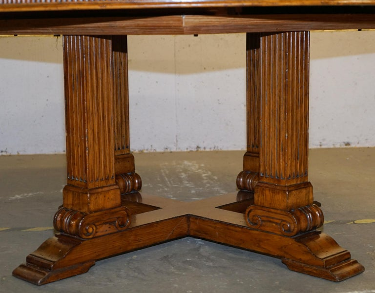 20th Century Ralph Lauren Hither Hills 6-10 Person Large Round Extending to Oval Dining Table For Sale