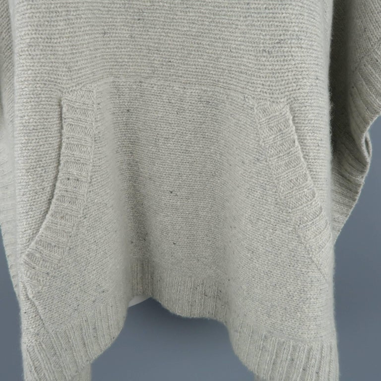Ralph Lauren Gray Cashmere Knit Hooded Poncho In Excellent Condition For Sale In San Francisco, CA