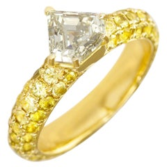 Ralph Masri 1.17 Carat Diamond Yellow Sapphire Ring