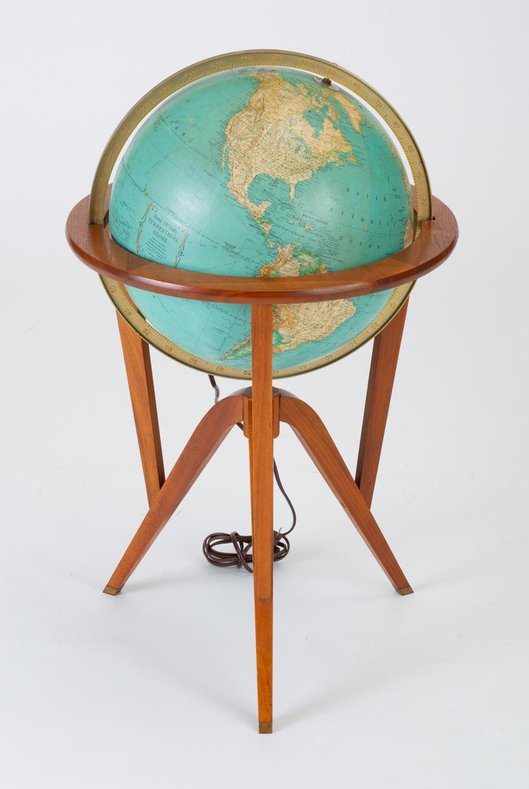 "Rand McNally ""Cosmopolitan"" Globe with Stand by Edward Wormley In Good Condition For Sale In Los Angeles, CA"