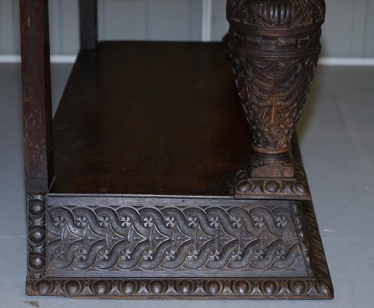 Rare 17th Century Hand Carved Oak Italian Console Serving Table Cherubs Angels For Sale 11