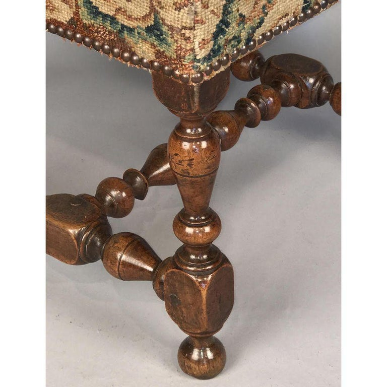 English Rare 17th Century Walnut Stool For Sale