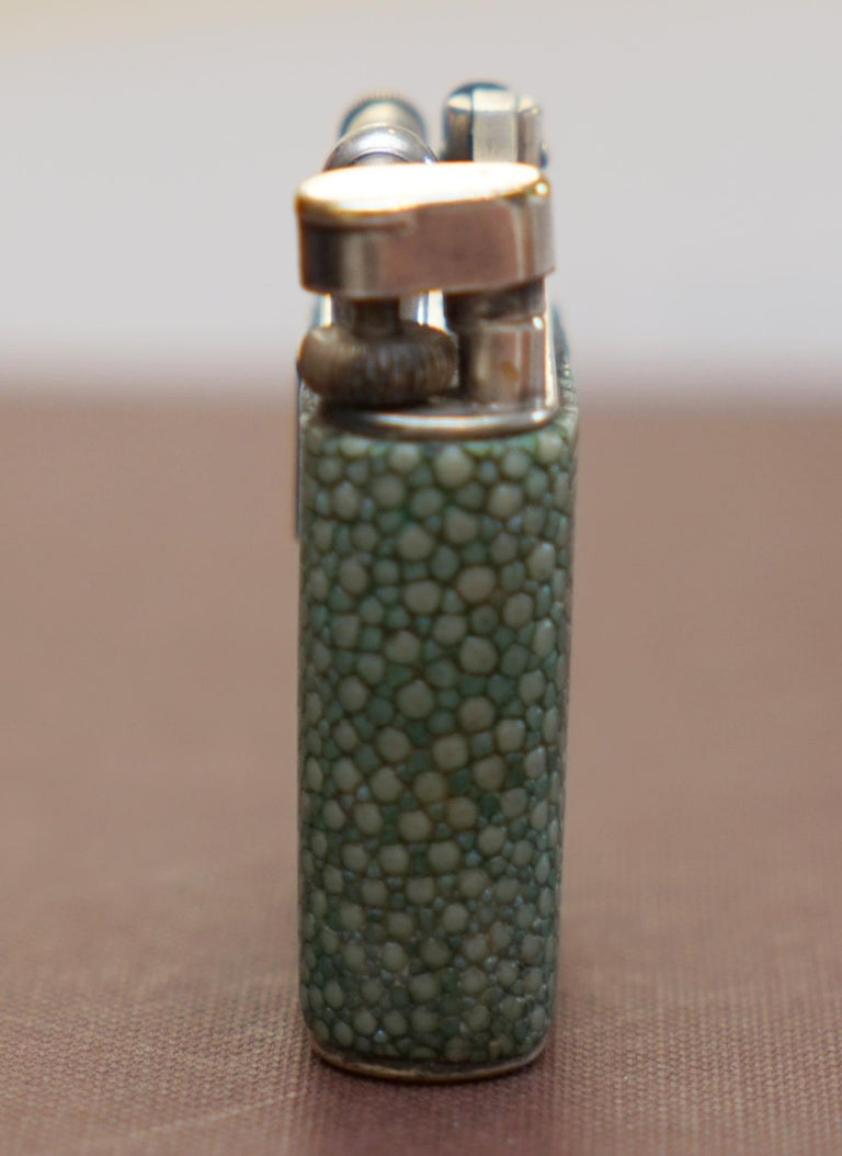 Rare 1930s Dunhill Shagreen Lighter Pat No 390107 Made in England Art Deco Era In Good Condition For Sale In London, GB