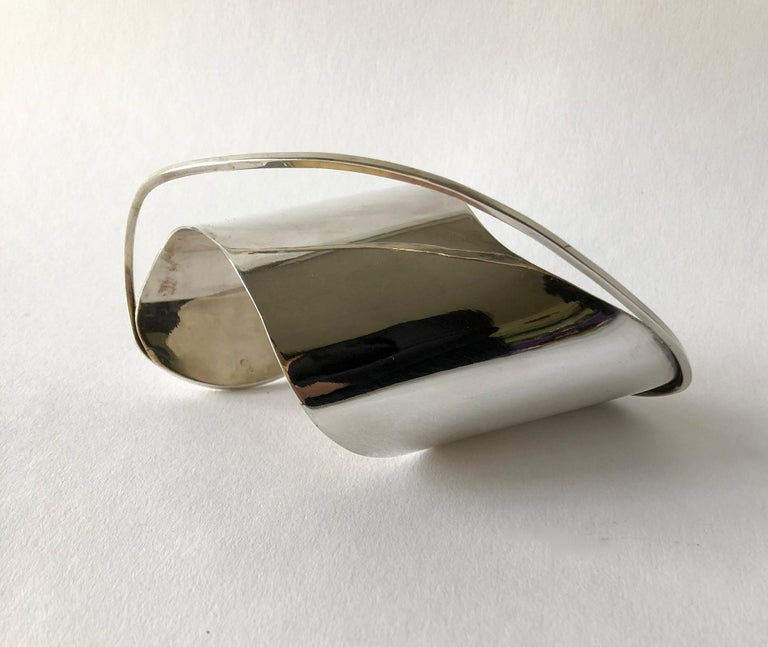 Rare 1948 Ed Wiener Sterling Silver New York Modernist Large Cuff Bracelet In Good Condition For Sale In Los Angeles, CA