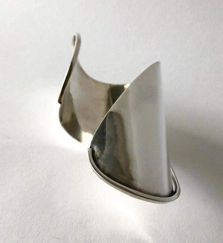 Rare 1948 Ed Wiener Sterling Silver New York Modernist Large Cuff Bracelet For Sale 2