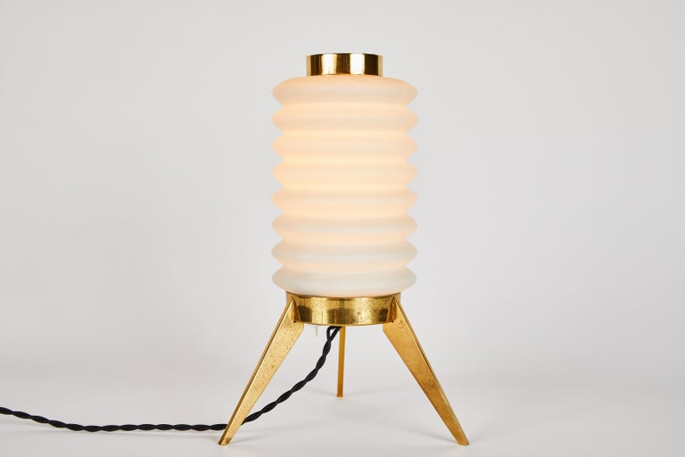 Rare 1950s Angelo Lelli Glass and Brass Tripod Table Lamp for Arredoluce For Sale 2