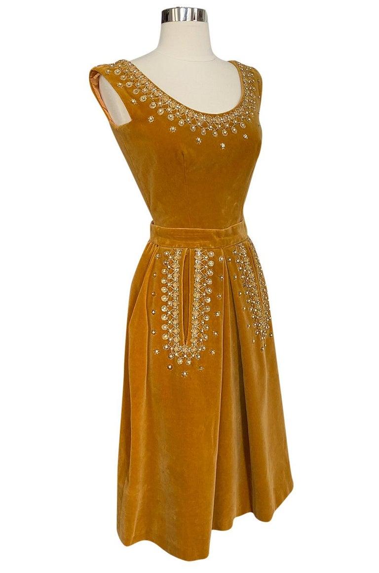 Rare 1950s Jeanne Lanvin - Castillo Demi Couture Beaded Velvet Set In Good Condition For Sale In Rockwood, ON