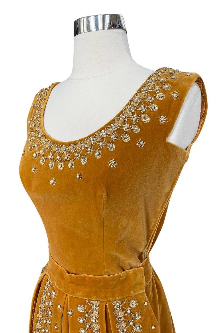 Rare 1950s Jeanne Lanvin - Castillo Demi Couture Beaded Velvet Set For Sale 3
