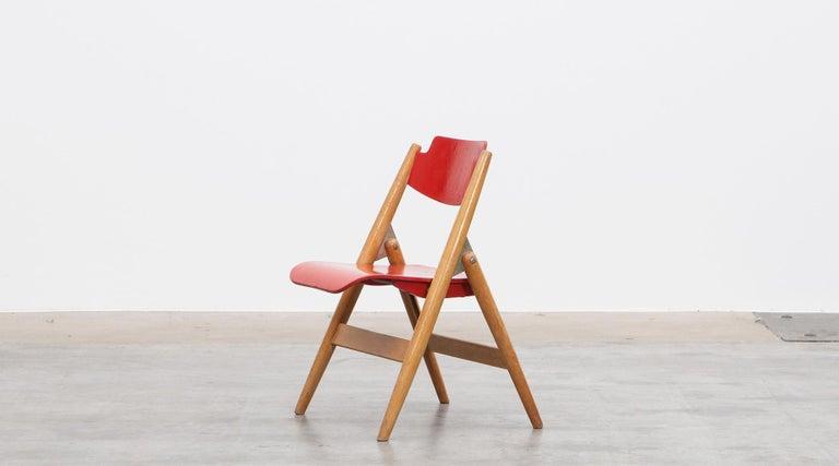 Rare 1950s Red Wooden Kids Folding Chair by Egon Eiermann In Good Condition For Sale In Frankfurt, Hessen, DE