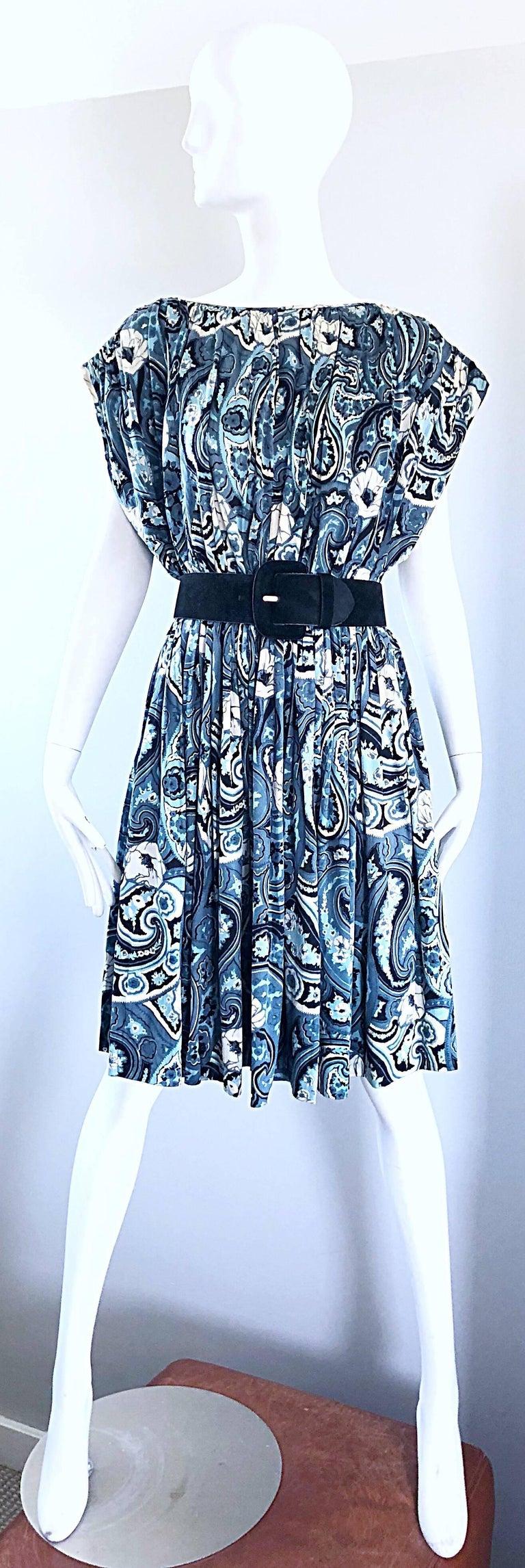 Rare 1950s Townley Blue + White Paisley Flower Print Vintage 50s Dress For Sale 5