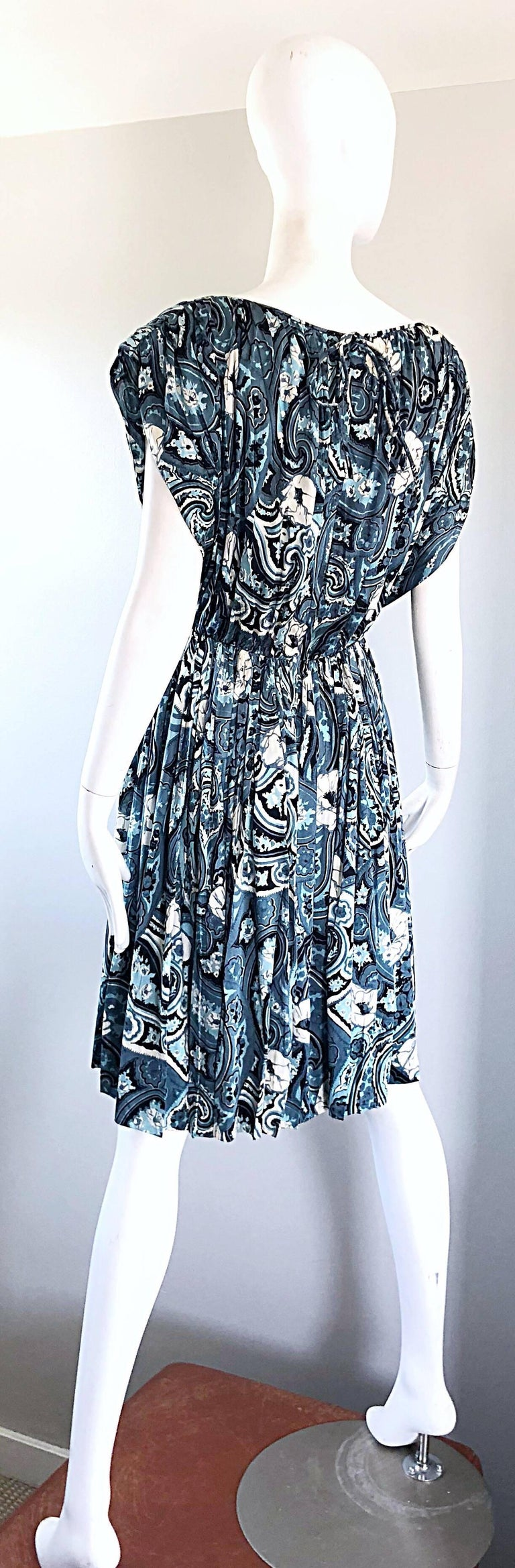 Rare 1950s Townley Blue + White Paisley Flower Print Vintage 50s Dress For Sale 6