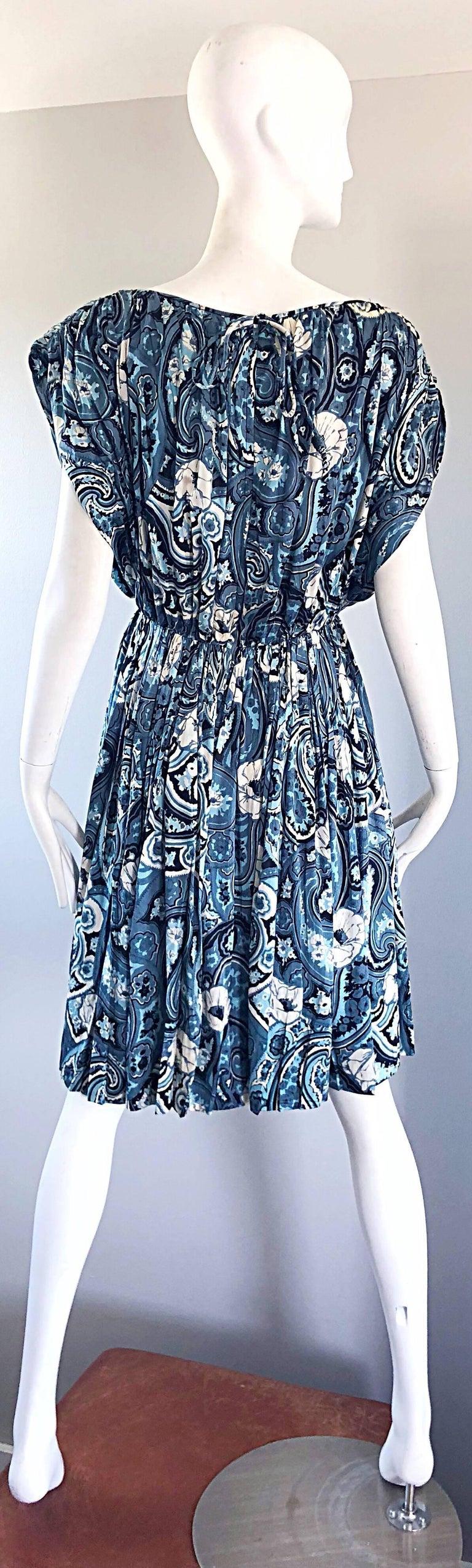 Rare 1950s Townley Blue + White Paisley Flower Print Vintage 50s Dress For Sale 7