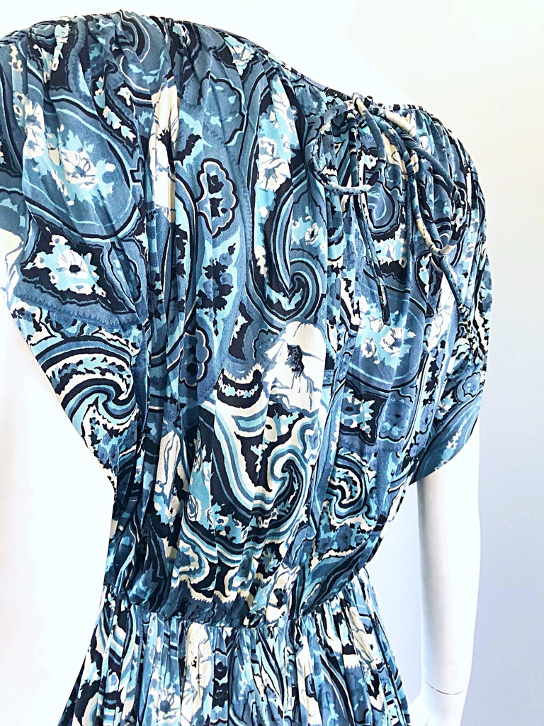 Rare 1950s Townley Blue + White Paisley Flower Print Vintage 50s Dress For Sale 8