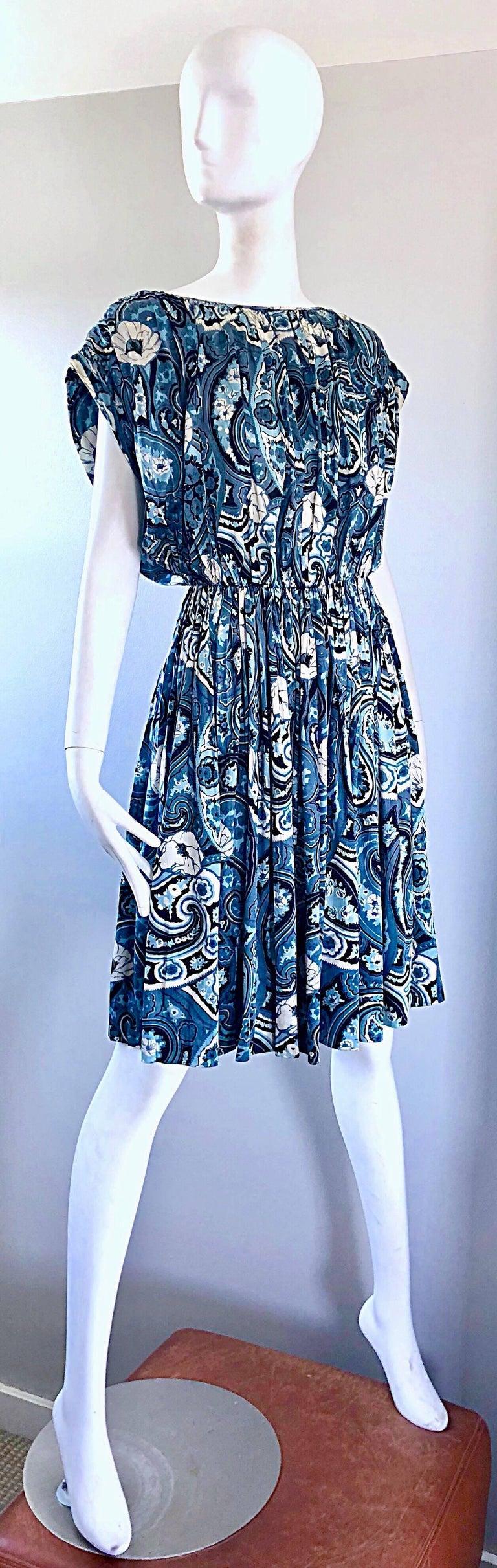 Rare 1950s Townley Blue + White Paisley Flower Print Vintage 50s Dress For Sale 11