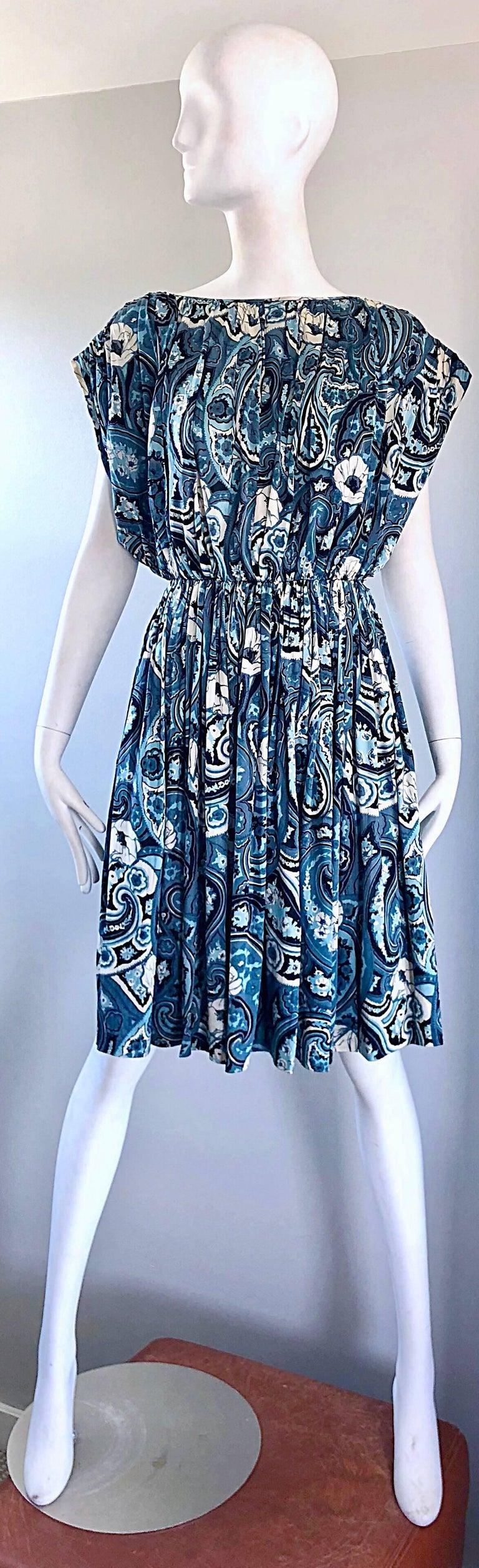 Rare 1950s Townley Blue + White Paisley Flower Print Vintage 50s Dress For Sale 12