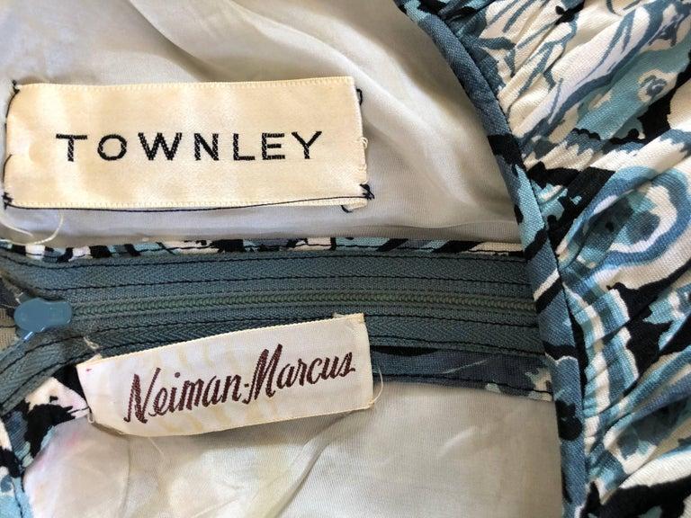 Rare 1950s Townley Blue + White Paisley Flower Print Vintage 50s Dress For Sale 13