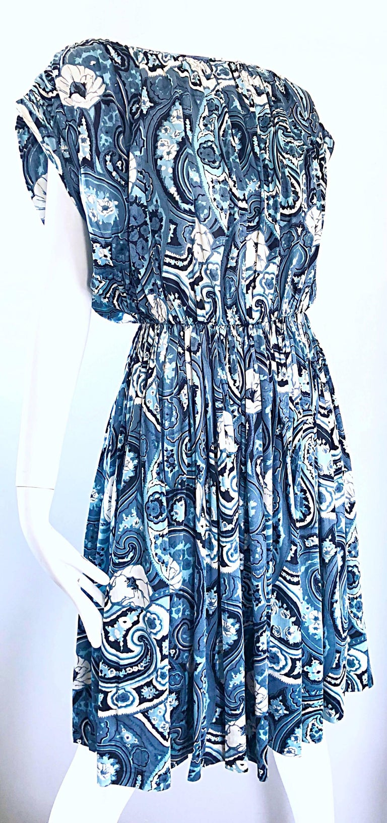 Rare 1950s Townley Blue + White Paisley Flower Print Vintage 50s Dress In Excellent Condition For Sale In Chicago, IL