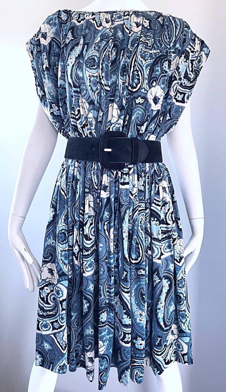 Rare 1950s Townley Blue + White Paisley Flower Print Vintage 50s Dress For Sale 2