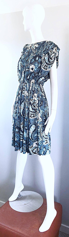 Rare 1950s Townley Blue + White Paisley Flower Print Vintage 50s Dress For Sale 4