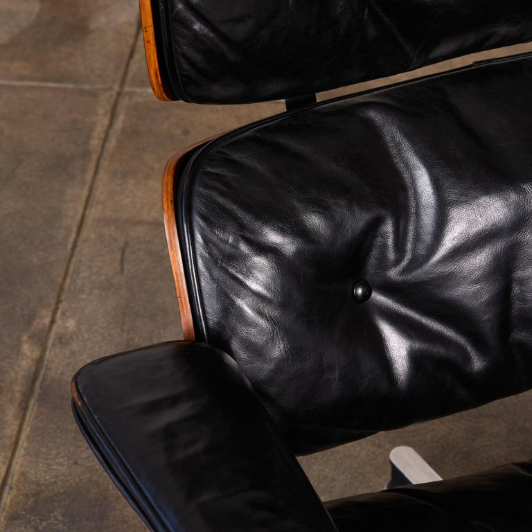 Rare 1956 First Year Production Eames Lounge Chair with Spinning Ottoman For Sale 5