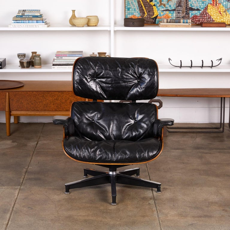 Rare 1956 First Year Production Eames Lounge Chair with Spinning Ottoman In Excellent Condition For Sale In Los Angeles, CA
