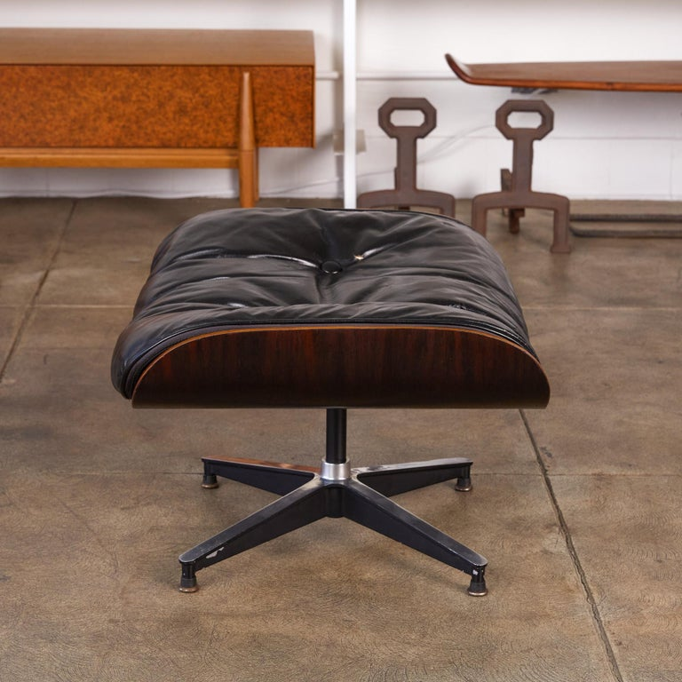 Rare 1956 First Year Production Eames Lounge Chair with Spinning Ottoman For Sale 1