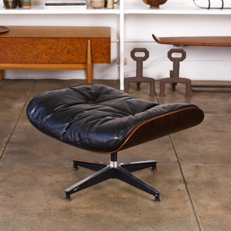 Rare 1956 First Year Production Eames Lounge Chair with Spinning Ottoman For Sale 2