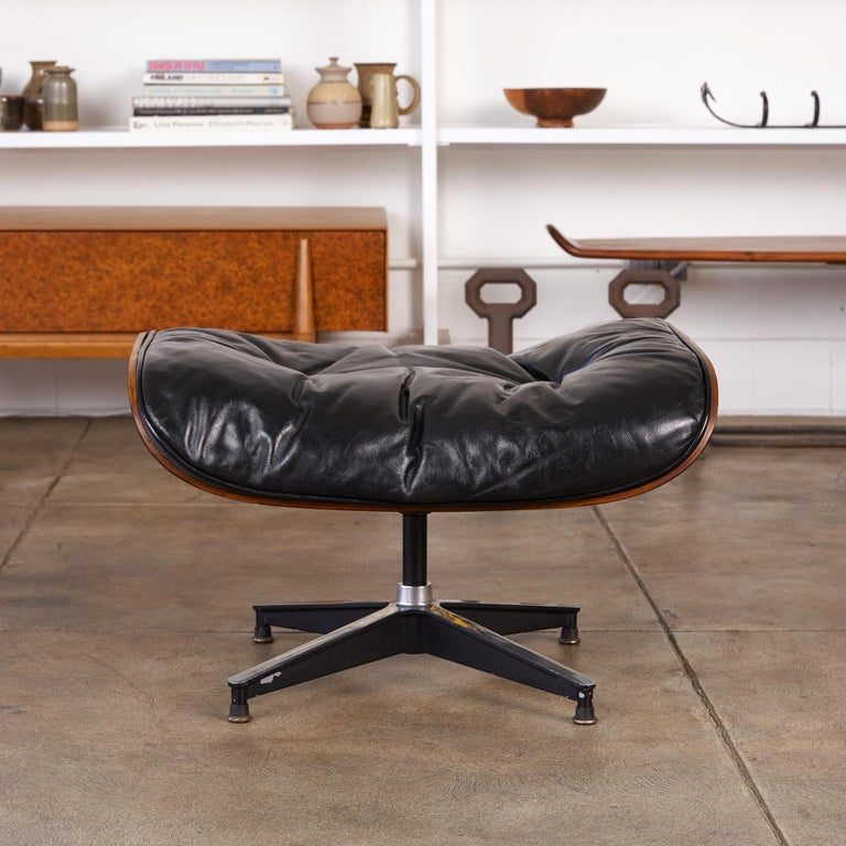 Rare 1956 First Year Production Eames Lounge Chair with Spinning Ottoman For Sale 3