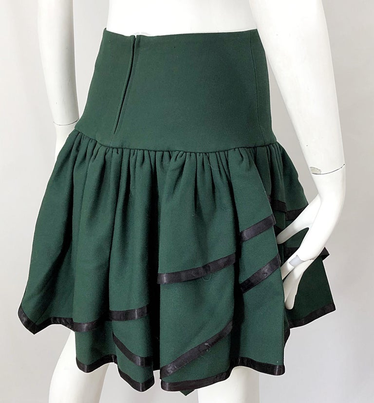 Rare 1960s Cardinali Hunter Green Wool Handkerchief Hem Vintage 60s Mini Skirt In Excellent Condition For Sale In Chicago, IL