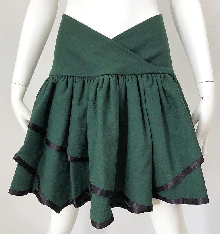 Women's Rare 1960s Cardinali Hunter Green Wool Handkerchief Hem Vintage 60s Mini Skirt For Sale
