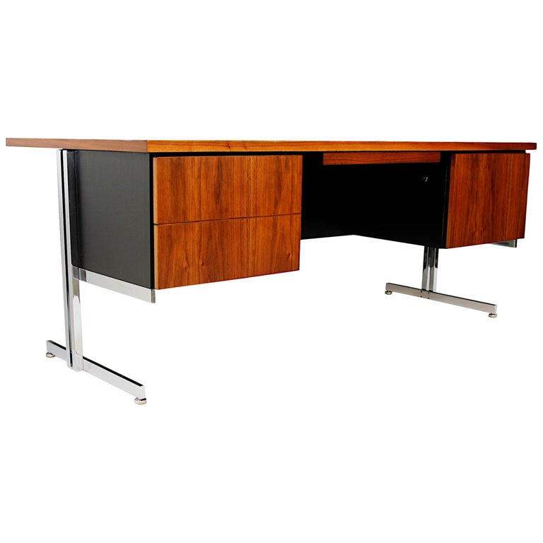 Rare 1960s Mid-Century Modern Minimalist Executive Desk by Hugh Acton for Vecta For Sale