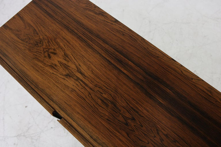 Seltenes 1960er Jahre Minimalistisches Sideboard auf Metallbasis mit Schubladen, Mid-Century Modern 13