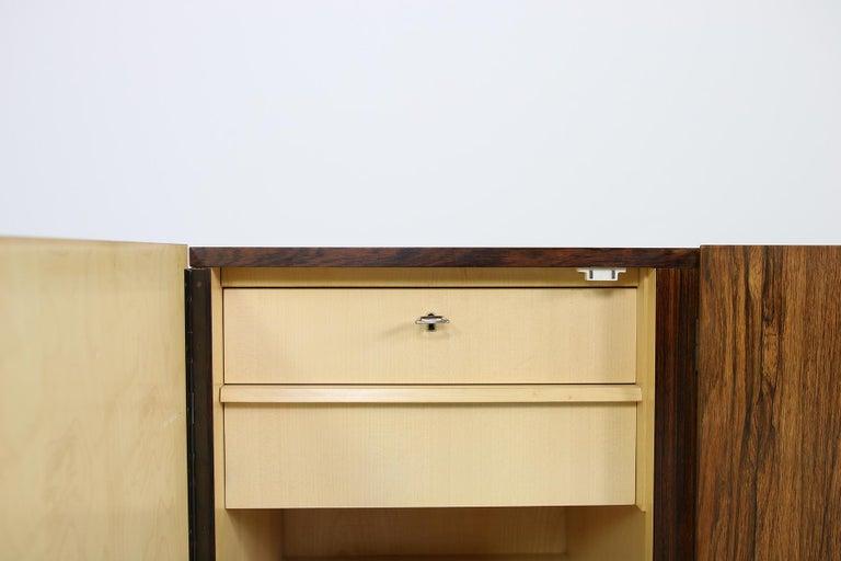 Seltenes 1960er Jahre Minimalistisches Sideboard auf Metallbasis mit Schubladen, Mid-Century Modern 7