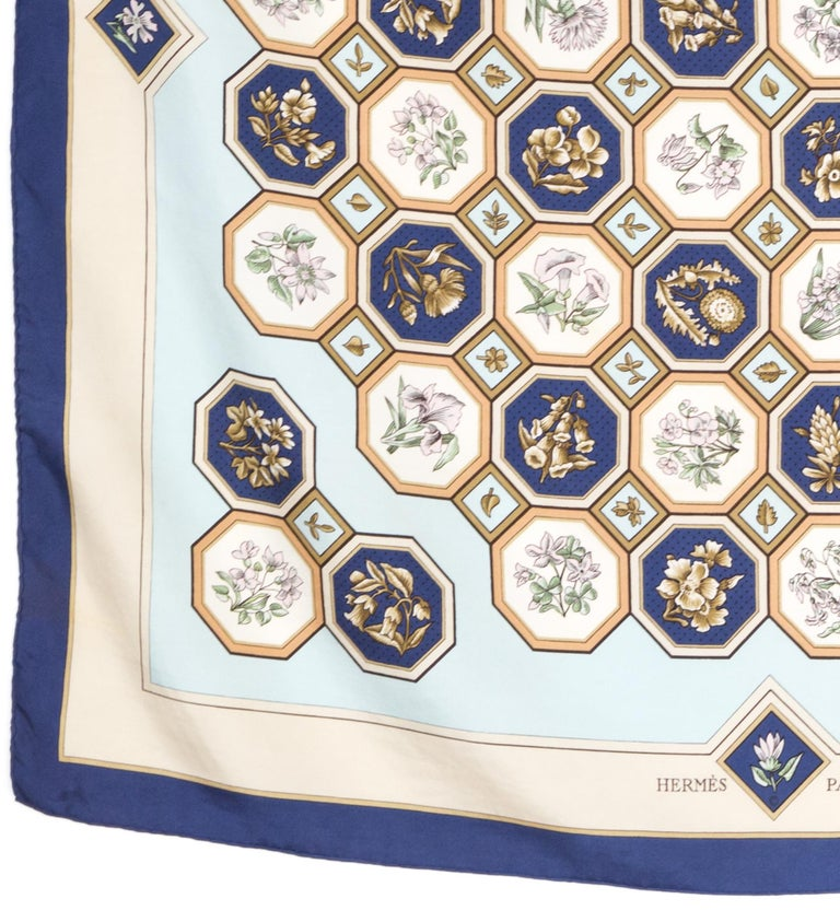 Rare 1968 Hermes Carrelages by Maurice Tranchant Silk Scarf In Good Condition For Sale In Paris, FR