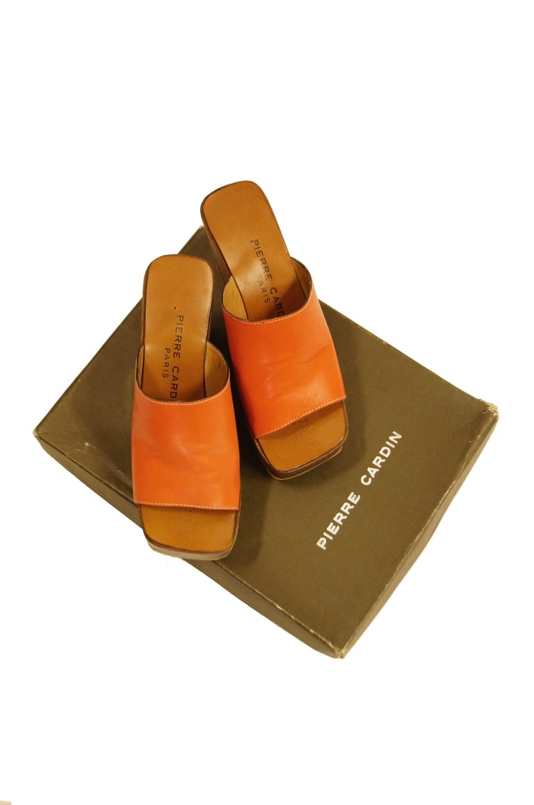 Rare 1970s Pierre Cardin Orange Leather and Wood Platform Mules, Iconic  For Sale 5