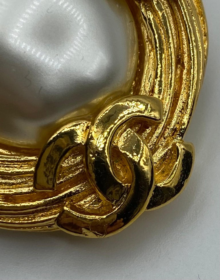 Women's Rare 1980s collection 25 Chanel Clip on earrings  For Sale