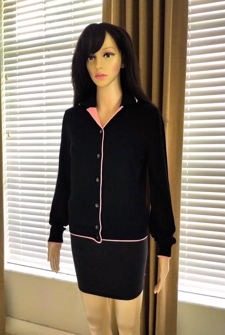 Rare 1990's Gianni Versace Medusa Black & Coral Sweater Cardigan IT 42/ US 4 6 For Sale 6