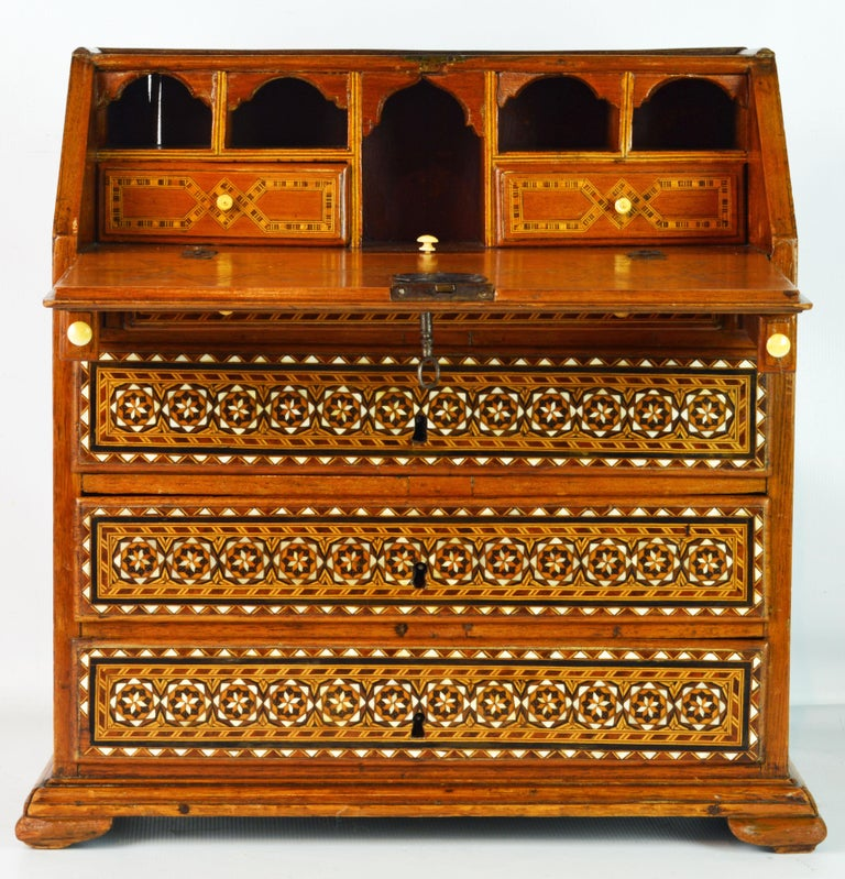Rare 19th Century Anglo-Indian Bone Inlaid Miniature Slant Front Desk In Good Condition For Sale In Ft. Lauderdale, FL