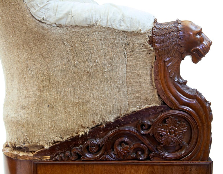 Hand-Carved Rare 19th Century Carved Walnut and Mahogany Button Back Sofa For Sale