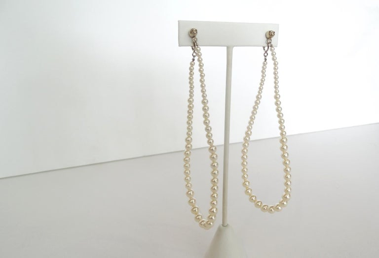 Rare 2014 Chanel Fall Pearl Hoop Earrings  In Good Condition For Sale In Scottsdale, AZ