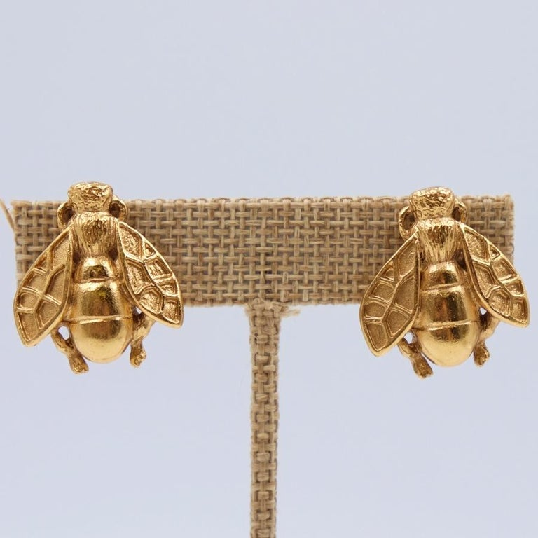Rare and collectible Christian Dior Bee Earrings In Excellent Condition For Sale In Austin, TX