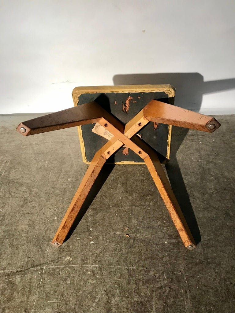 Rare and Early Jens Risom Stool for Knoll Associates, New York City In Good Condition For Sale In Buffalo, NY