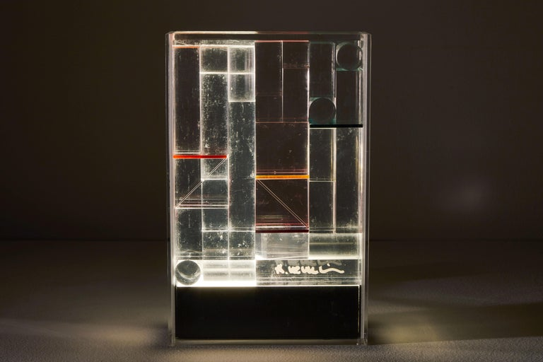 Rare and important illuminated sculpture by Theodor Neumaier for Lamperti. Designed and manufactured in Italy, circa 1970s. Not rewired for the US, comes with a transformer. Rare luminous sculpture made from methacrylate, colored filters and mobile