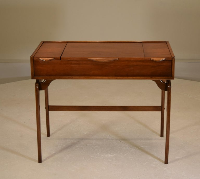 Mid-Century Modern Rare and Novel Vanity by Warren Church For Sale