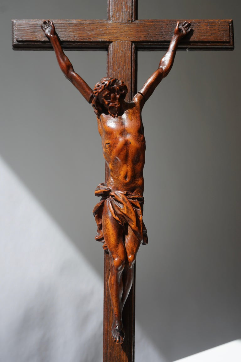 Rare and Remarkable Corpus Christi on a Decorated Wooden Cross with a Skull For Sale 3